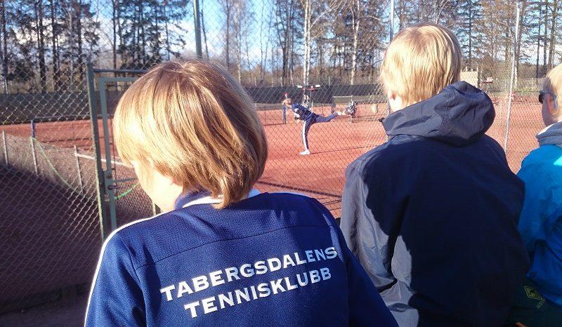 Mycket tennis på Munkalägret